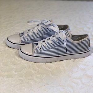 SOUTHERN PROPER- Women's seersucker sneaker SZ8